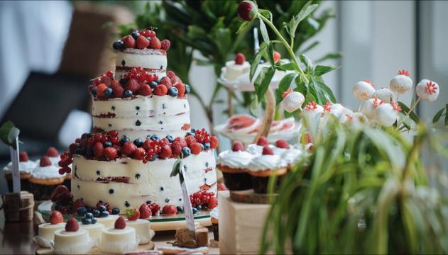 desertinis stalas, vestuvinis tortas